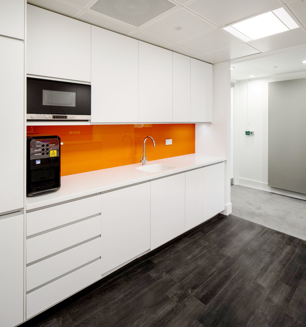 ifc-millbank-tower-kitchen-01
